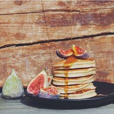 It's pancake Sunday and this stack by beautiful soul and talented food artist @roadtoeverywhere hits the spot  This and 10 other incredible breakfasts are up on my blog in this week's top instagram breakfast roundup! Is it you? Go check the blog  Love my inspiring community so much! #breakfastcriminals #roadtoeverywhere50k