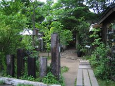 くるみの木 アプローチ Garden Paving, Moss Garden, Garden Paths, Garden Art, Home And Garden, Rustic Coffee Shop, Natural Garden, Japanese Architecture, Botanical Gardens