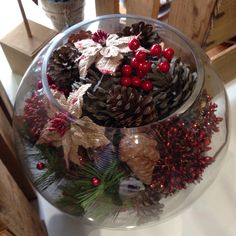 Christmas bowl of goodies!! #christmas #christmasbowl #pinecones #natural #berries #naturalchristmas #theblutulip #grangeflorist #adelaideflorist #adelaideflowers #adelaide #christmasiscoming #christmasgifts #easydiy #diy #retailmerchandising #frontwindow #windowdisplay
