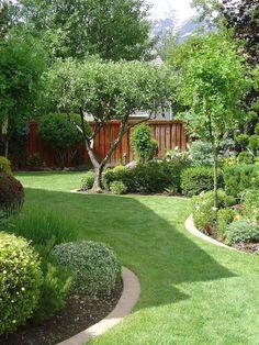 40 Amazing Small Garden Design to Beautify Your Backyard - Alles für den Garten Small Garden Landscape, Small Backyard Gardens, Backyard Garden Design, Small Backyard Landscaping, Small Garden Design, Back Gardens, Small Gardens, Outdoor Gardens, Backyard Ideas