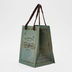 クラフト紙に緑色の印刷が美しいナtyラルな紙袋 shopper shop bag paperbag design package   紙袋 紙袋デザイン グラフィックデザイン デザイン ショッパー ショップバッグ パッケージ おしゃれ 箱型