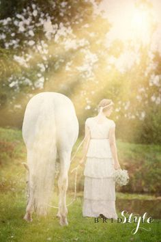 Karnawałowo przedstawiamy sesję dla magazynu Bridelle z krótką suknią ślubną FEMINI 2014...