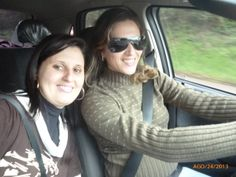 Mi hermana Rejane y yo viajando para Palmeira para hacer el vestibular UFSM - muchos risos. No conocíamos el camino.