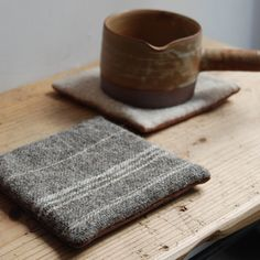 pot coaster with wooly scraps