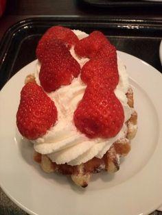 Heerlijke aardbeien wafel!