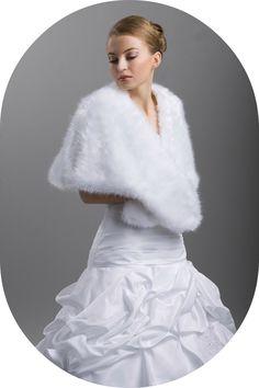 Winterstola für die Braut / Stola in Wolfsfelloptik zum Brautkleid / Warme Stola für den Winter / Winterstola zum Brautkleid / Fellstola für die Braut