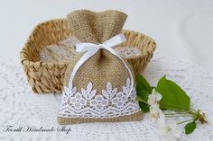 Burlap Favor Bag, Wedding Gift Bag, Bridal shower, Tea Party, Baby Shower Gift Bags, Candy Bag, SET OF 25 by Teomil on Etsy