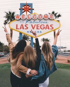 Las Vegas for New Years These 25 bucket list destinations around the world offer some of the most incredible, life-changing experiences a traveler can have! Las Vegas Pictures, Vacation Pictures, Las Vegas Vacation, Solo Vacation, Las Vegas Sign, Las Vegas Nevada, Photo Voyage, Foto Instagram, Instagram Feed