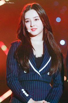 181026 KBS Open Concert - Jeongeup Nancy Jewel Mcdonie, Nancy Momoland, Beautiful Asian Girls, Beautiful Images, Iron Man Wallpaper, Daisy, Asian Celebrities, Cute Beauty, Cute Korean