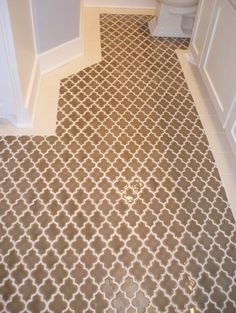 Would be beautiful in my kitchen--moroccan tile floor Style At Home, Beautiful Bathrooms, Modern Bathroom, Moroccan Bathroom, Boho Bathroom, Design Bathroom, Tile Design, Traditional Bathroom, Bathroom Flooring