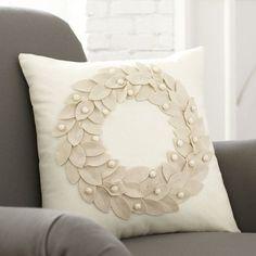 Vienna-Wreath-Pillow-Cover-BL5123.jpg 600×600 pixeles