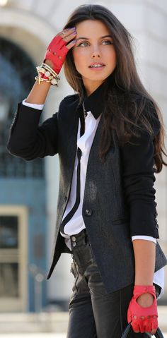 Is she kidding?! Love her style! Simple black & white with a touch of color (also note the nail polish)