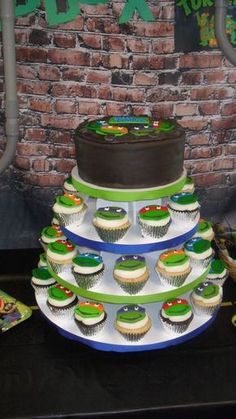 Fun cake and cupcakes at a Teenage Mutant Ninja Turtle Birthday Party! See more party ideas at CatchMyParty! Turtle Birthday Parties, Ninja Turtle Birthday, Ninja Turtle Party, Birthday Fun, Ninja Turtles, Birthday Cakes, Birthday Ideas, Ninja Party, Cupcakes Decorados