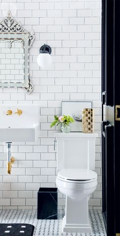 Apartment tour: Colourful rental makeover - Style At Home Bad Inspiration, Bathroom Inspiration, Interior Design Inspiration, Style At Home, Metro White, Rental Makeover, Bathroom Renos, White Bathroom, Basement Bathroom