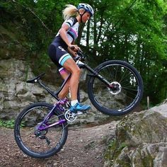 As a beginner mountain cyclist, it is quite natural for you to get a bit overloaded with all the mtb devices that you see in a bike shop or shop. There are numerous types of mountain bike accessori… E Mountain Bike, Best Mountain Bikes, Mountain Biking Women, Mountain Biking Quotes, Triathlon, Cycling Girls, Women's Cycling, Cycling Jerseys, Buy Bike