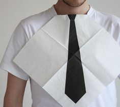 Dress for Dinner Napkins / Always look your best at the dinner table with these great napkins that come with a tie printed on them for when you tuck them into your collar. http://thegadgetflow.com/portfolio/dress-for-dinner-napkins-20/