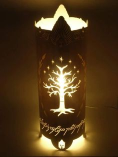 White Tree of Gondor lamp Tolkien, O Hobbit, Hobbit Hole, Baum Von Gondor, White Tree Of Gondor, Hobbit Party, Elvish, One Ring, Middle Earth