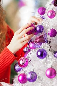 Buried in Christmas clutter? Here are some tips on clearing out the Christmas clutter and putting the merry back in Christmas.