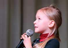 Four cool ways kids can use music to cope with feelings. Singing Lessons For Kids, Singing Classes, Singing Tips, Music Lessons, Learn Singing, Piano Lessons, Karaoke, Ted Talks For Kids, Instru Rap