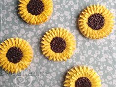 We're past the peak of sunflower season, but the colors of these sunflower cookies would make them the perfect addition to a fall cookie assorment. Wouldn't they look gorgeous mixed in with a few hand painted fall leaves?Here's what you'll need for t