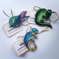 Stained glass reptile pins