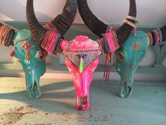 Need help organising a Stag? Get in touch and let's start planning! Bull Skulls, Deer Skulls, Animal Skulls, Boho Diy, Boho Decor, Tribal Decor, Hippie Ibiza Style, Hippie Accessoires, Cow Skull Art