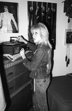 """Cherie Curie of The Runaways with her record player and the Bowie vinyl! I took this photo in Cherie's bedroom in 1977."" Photo by Brad Elterman"