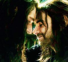 Trailer! This part was so sweet! And then the part like 10 seconds later of kili yelling at Thorin not so much!