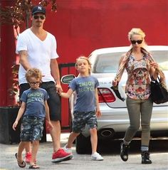 Zlatan Ibrahimovic, vacation in LA. They're so cute.