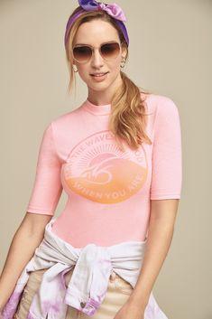 A tendência chegou com tudo! Na Marisa você encontra várias opções, vem provar! Neon, Surfing, Life, Outfits, Clothes, Fashion, 1980s, Style, Trends
