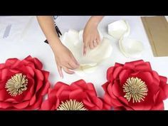 "DIY Paper ""Tiffany"" Flower Tutorial - My Wedding Flower Backdrop - YouTube"