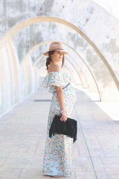 Floral print long maxi dress - jessie chanes - pregnancy style inspiration.