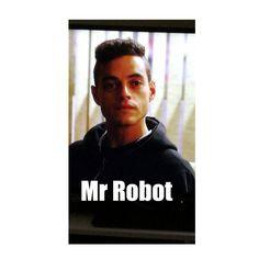 Mr robot la migliore serie TV del momento. Vedetela vi farà bene.