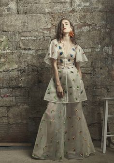 Rosie Assoulin Resort 2017 Fashion Show http://www.vogue.com/fashion-shows/resort-2017/rosie-assoulin/slideshow/collection#33