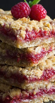 Raspberry Crumb Bars *