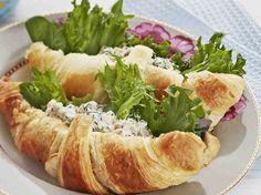 Tonnikalatahnalla täytetyt croissantit