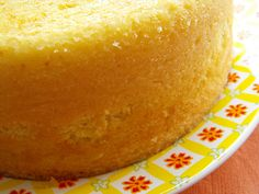 Bolo de coco e laranja by a galinha maria, via Flickr