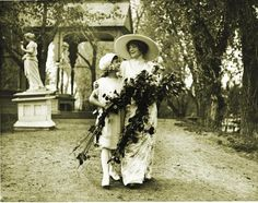 """▫Duets▫ sisters, twins & groups of two in art and vintage photos - Mary Elitch Long, """"the Lady of the Gardens"""""""