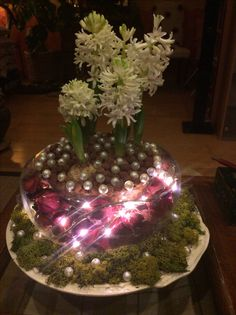 Christmas Bulbs, Table Decorations, Holiday Decor, Furniture, Home Decor, Homemade Home Decor, Christmas Light Bulbs, Home Furnishings, Decoration Home