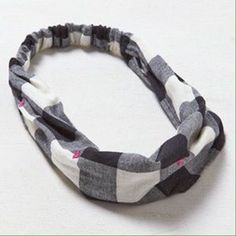 American Eagle Outfitters Accessories - AMERICAN EAGLE OUTFITTERS Headband Box Check