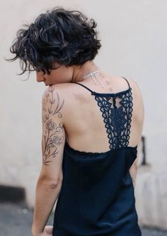 Top 34 Short Ombre Hair Ideas of 2019 - Style My Hairs Short Wavy Pixie, Short Curly Haircuts, Curly Hair Cuts, Short Hair Cuts, Bob Hairstyles, Curly Hair Styles, Fine Curly Hair, Love Hair, My Hair