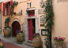 Hostellerie Jerome in La Turbie (May 2010) by CatChanel, via Flickr