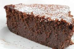 Cake Decorating 95963 Fondant mascarpone chocolate with thermomix. Here is a recipe for Fondant mascarpone chocolate cake, easy and simple to make with the thermomix. Gourmet Recipes, Cake Recipes, Dessert Recipes, Fondant Recipes, Fondant Tips, Lasagna Recipes, Gourmet Foods, Cooking Recipes, Chocolate Fondant Cake