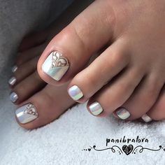 Best Toe Nail Art Ideas For 2019 - Nagellack kunst - Pretty Pedicures, Pretty Toe Nails, Cute Toe Nails, Pedicure Nail Art, Toe Nail Art, Pedicure Ideas, Gel Nail, Hair And Nails, My Nails