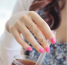 Hot New Fashion Gold Plated Thin Chain Peace Love Charm Crystal Double Finger Ring for Women anelli donna Hand Jewelry, Cute Jewelry, Jewelry Rings, Jewelry Accessories, Jewelry Design, Jewelry Watches, Jewelry Party, Gold Jewellery, Metal Jewelry