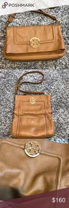 164eb18717e NWT Tory Burch Harper crossbody bag New with tags. A Tory Burch mini crossbody  bag crafted in leather with gold-tone hardware and a fu…