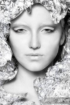 ❣ღ❣ Snow Queen. Shades Of White, Black And White, Foto Fashion, High Fashion, Mermaid Pictures, Fantasy Makeup, Fantasy Hair, White Witch, Ice Princess