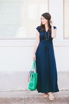 How to Wear Maxi Dresses When You're Breastfeeding | Little Natural Cottage