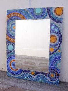 Espejo en venecitas - sietecolores Mirror Mosaic, Diy Mirror, Mosaic Art, Mosaic Glass, Mosaic Tiles, Glass Art, Mandala, Tile Projects, Mosaic Crafts
