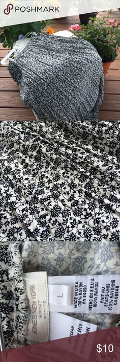 """Jones New York Sport maxi floral skirt flowy 🇺🇸 Jones large petite is 30"""" waist and almost 32"""" length. Waist has stretch to it. Color is black white floral or very dark navy. All rayon. Soft flowy comfy. Casual or dress it up. Fun comfy. Made in USA. 🇺🇸. We love fair offers and bundles are 25% off 😃👍🎉💃 Jones New York Skirts Maxi"""